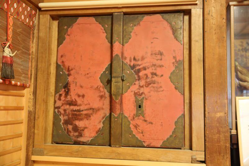 大永4年(1524年)につくられた現存する最古の輪島塗は、輪島市内の重蔵神社に保管されている