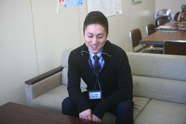市長公室企画調整課の栗山裕介さん