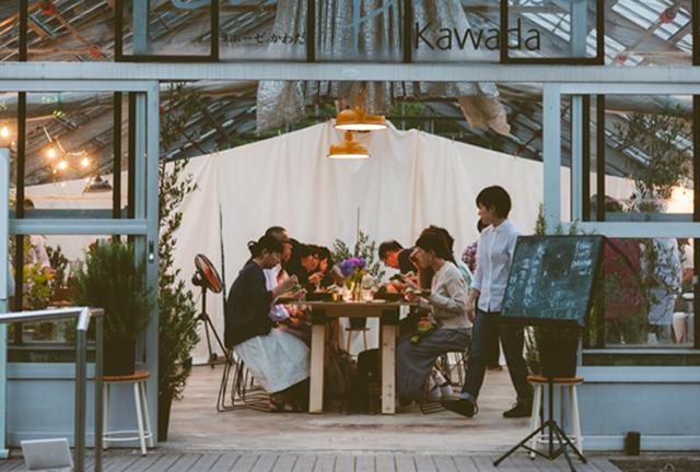 メニュー考案の一環として、地元の生産者たちと地元の食材を使った野外レストラン「ふくいフードキャラバン」を県内各地で開催した