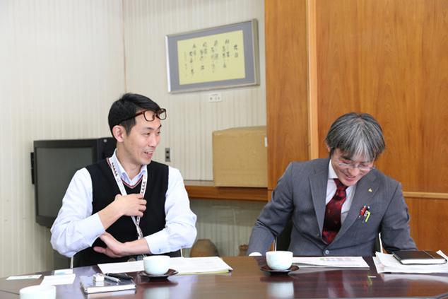 インタビューに応える兼平さんと吉澤さん