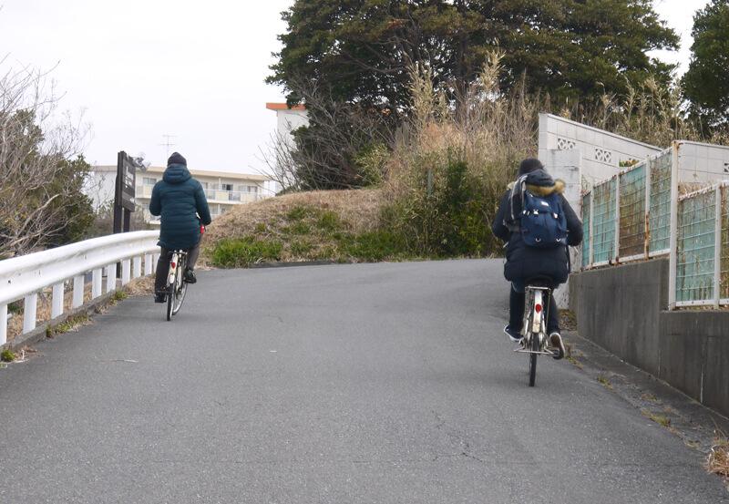 レンタル自転車でファミリーオ館山を出発