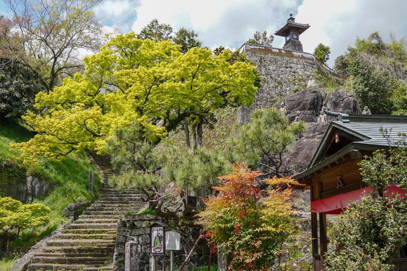 風情あるお寺や小道が多数あり散歩が楽しい