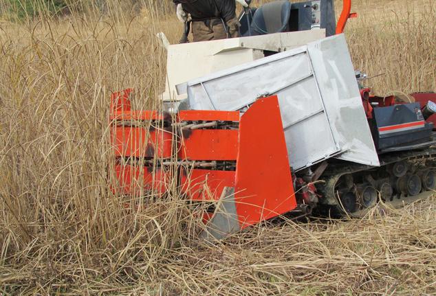 茅刈り専用機