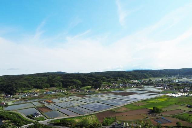 鷹ノ巣展望台から望む南郷島守地区