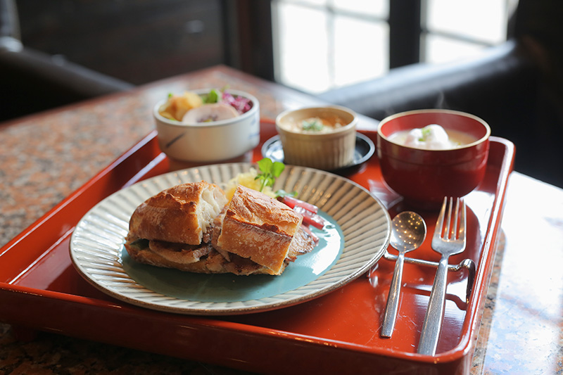 地元の食材にこだわり提供されている澁いの食事