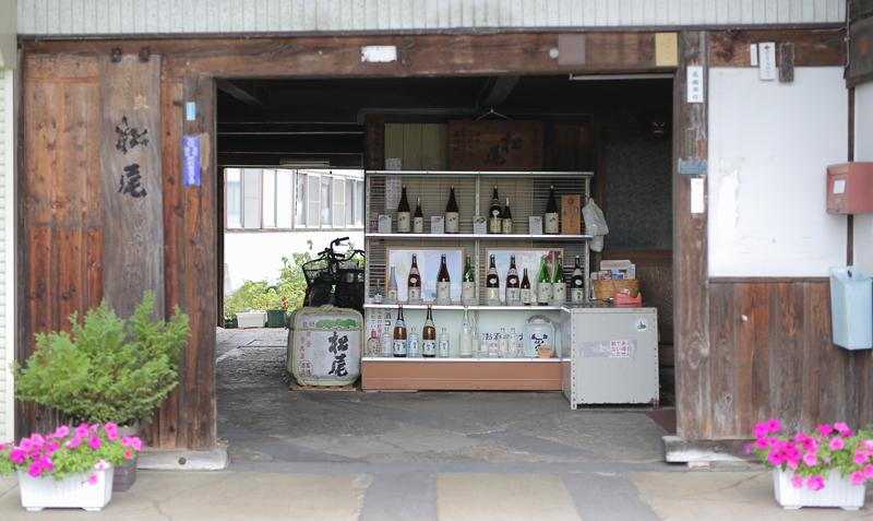 日本酒がずらりと並ぶ