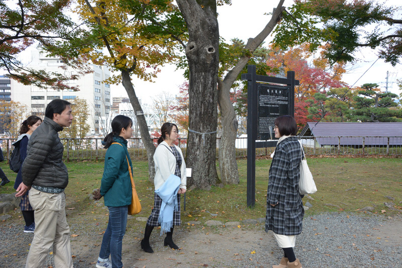 石川啄木愛が高じて移住した植松さんといっしょに盛岡城跡公園を散策