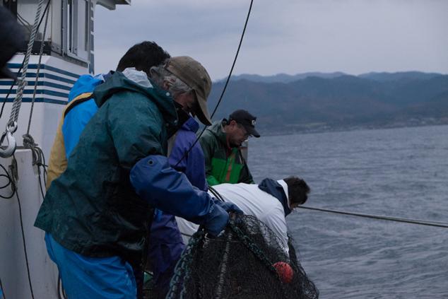 漁師さんの作業風景