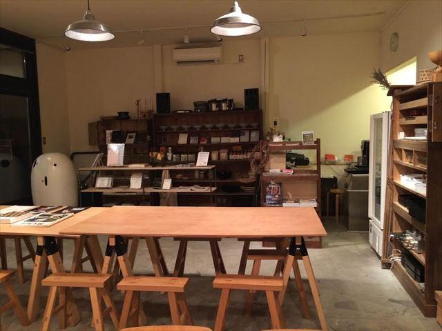 山の家カフェ&ドミトリー内観